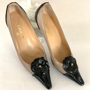 Classic CHANEL pointed cap toe Size 38.5